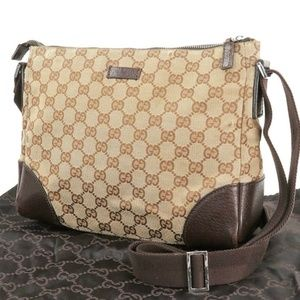 100% Auth Gucci GG Canvas & Leather Purse #32124